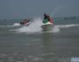 沙滩,海浪,风驰电掣的快艇