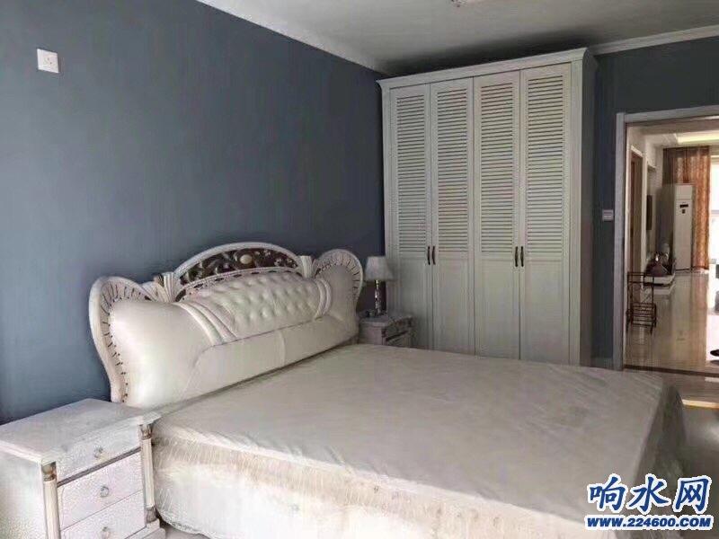 恋家房产:推选南校区(亚美国际)好楼层采光好,3室