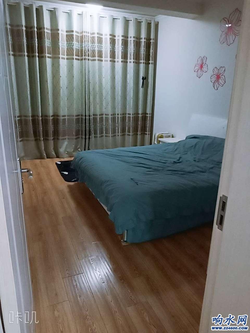 二室二厅套间出租,凤凰书城隔壁,二汽公司家属楼四楼