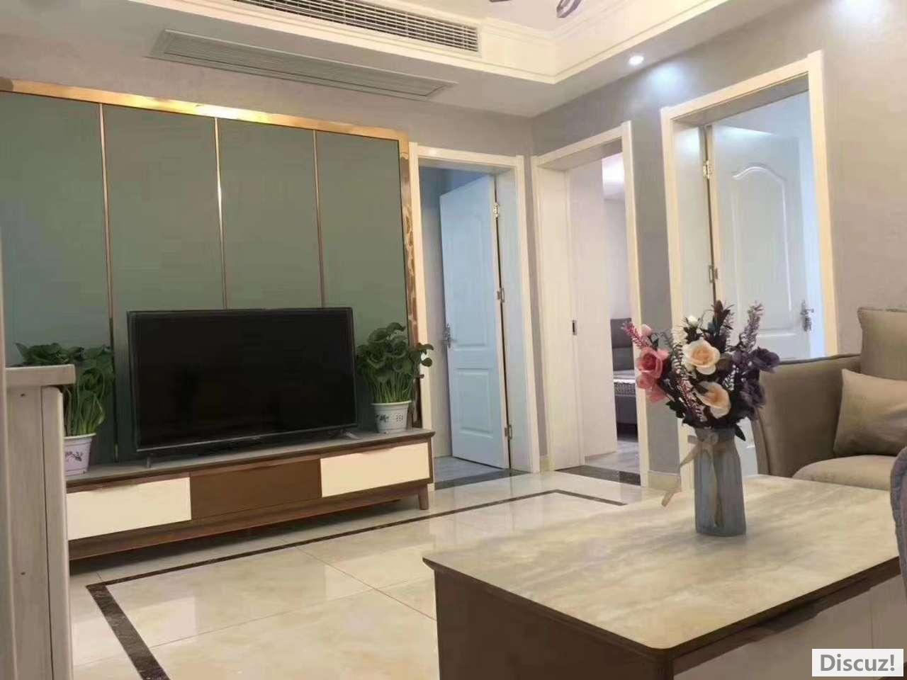 最新房源:滨江中路,黄金楼层,精装修三居室、家电家