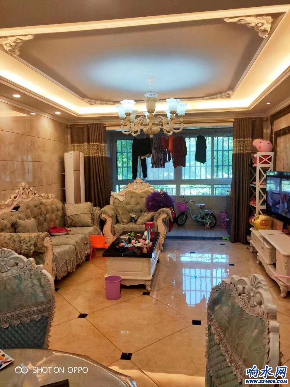 御景豪庭电梯房低楼层边户,采光不受影响,产证面积126平方,3室售价:102.8万
